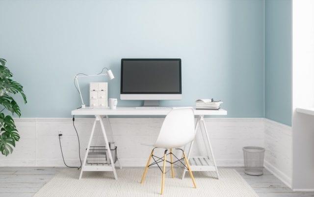 Biurko z regulacją wysokości – co daje nam w biurze?